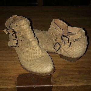 Matisse Bobbie ankle & buckle booties.